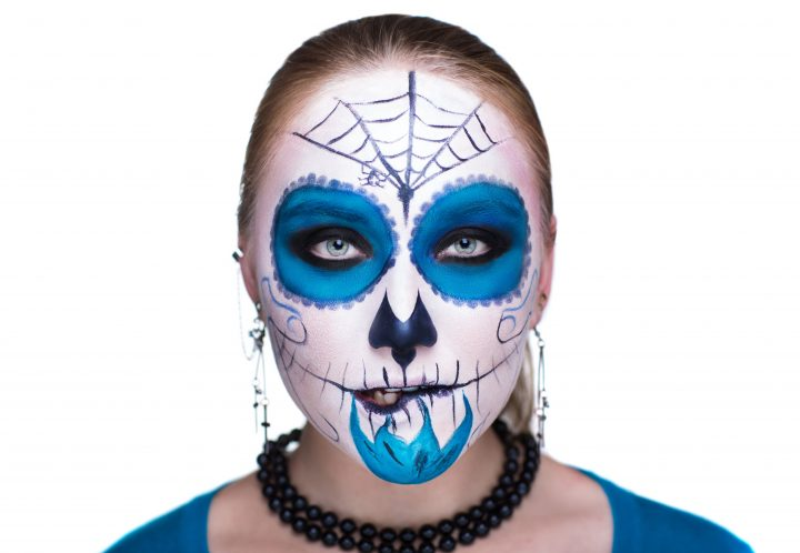 Halloween makeup and your skin
