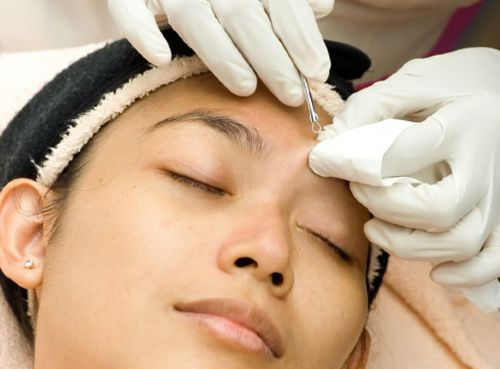 Are Extractions Important For A Good Facial?