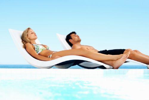 Restore moisture lost during sunbathing